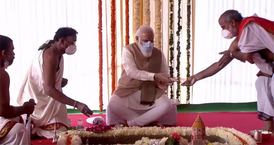 PM नरेंद्र मोदी ने भूमि पूजन के बाद किया नए संसद भवन का शिलान्यास